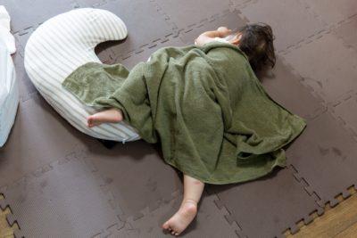寝方 股関節のズレ