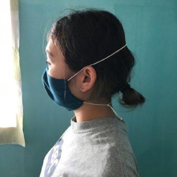 マスクの紐で体が歪む?