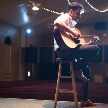 全てのギター弾きに捧げます。